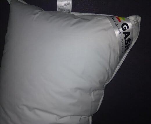 Как правильно выбрать подушку: наполнители, форма, высота и жесткость
